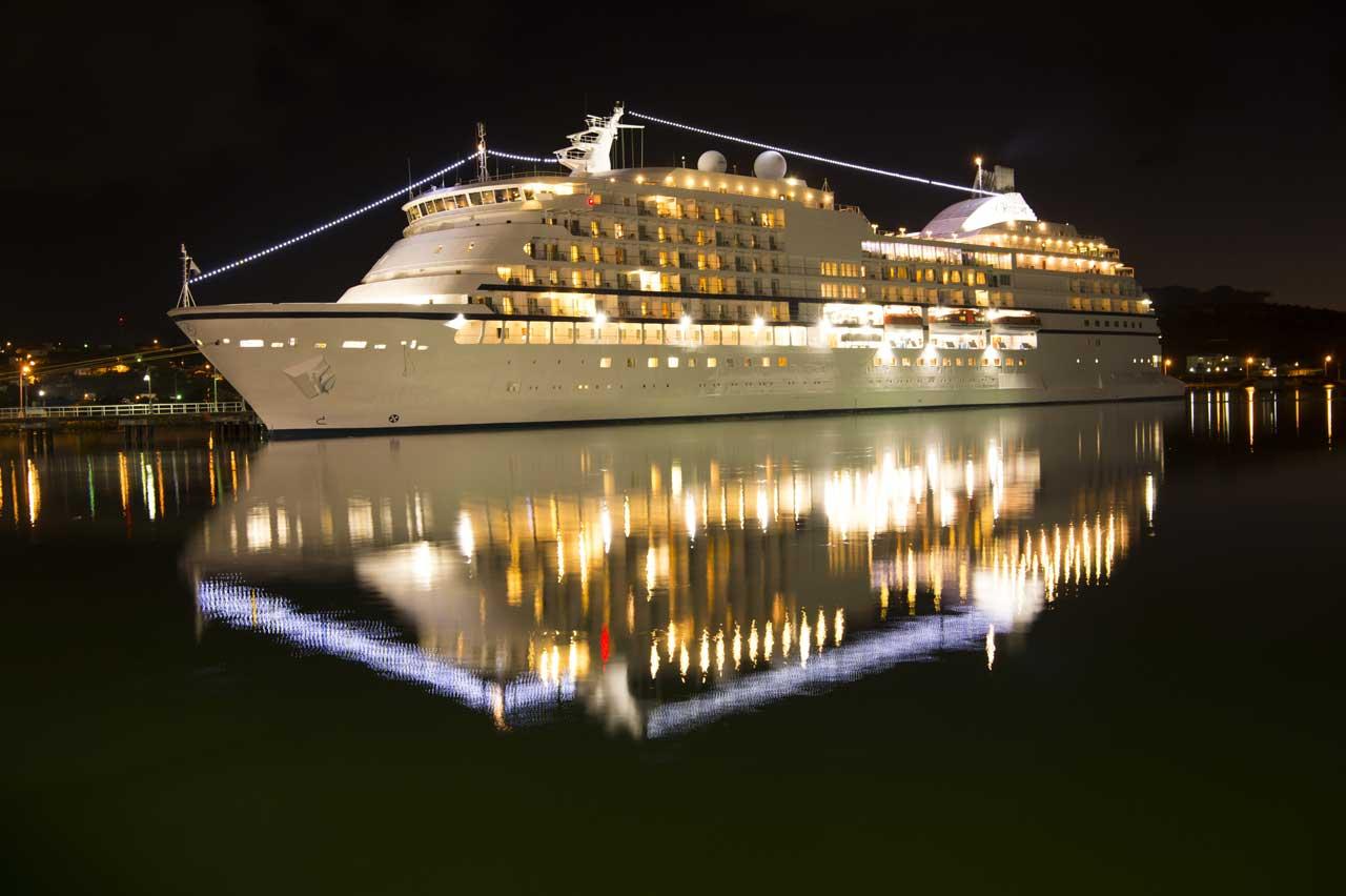 kompressor-maritime-night